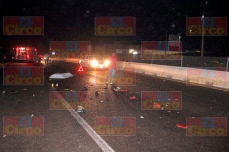 ¡FOTOGALERÍA/ Motociclista fue embestido y muerto por un tráiler en Lagos de Moreno!