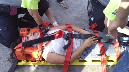 ¡Joven fue arrastrada por una camioneta por tratar de salvar a su perro en Aguascalientes!