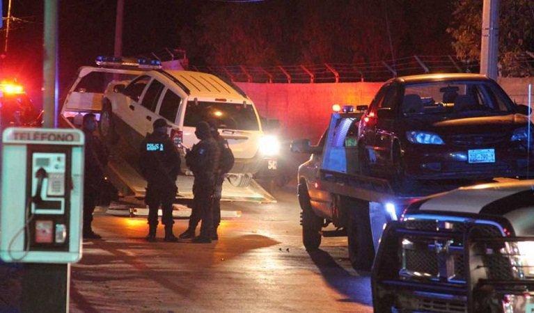 ¡Policías federales detienen a dos sujetos después de una persecución en Zacatecas!