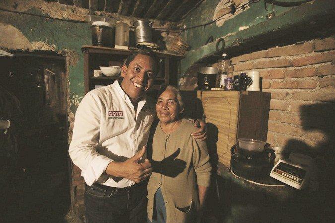¡Visita Goyo Zamarripa a familia damnificada de San Luis de Letras!