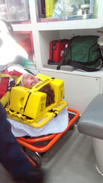 GALERIA/¡Mujer chocó contra un poste de luz y un niño se electrocutó en el mismo accidente en Aguascalientes!