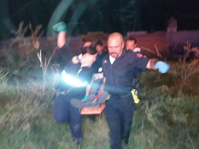 ¡2 jóvenes resultaron lesionados tras la volcadura de una camioneta en Aguascalientes!
