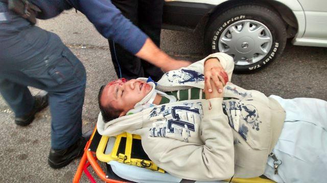 ¡3 lesionados tras el choque de 2 autos en Aguascalientes!