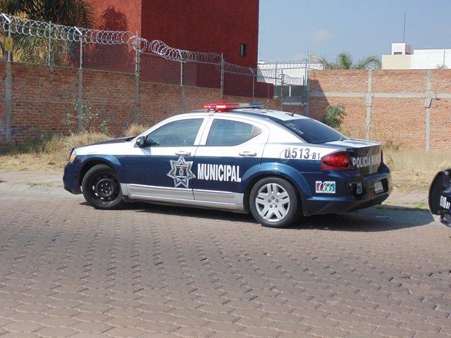 ¡2 pistoleros asaltaron una bodega de venta de semillas en Aguascalientes!