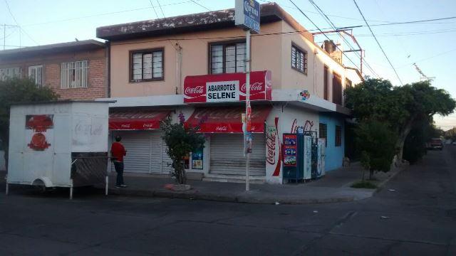 ¡A balazos, dos delincuentes asaltaron una tienda de abarrotes en Aguascalientes!