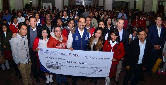 ¡Gobierno Municipal incentiva a estudiantes de bachillerato para que continúen con sus estudios!