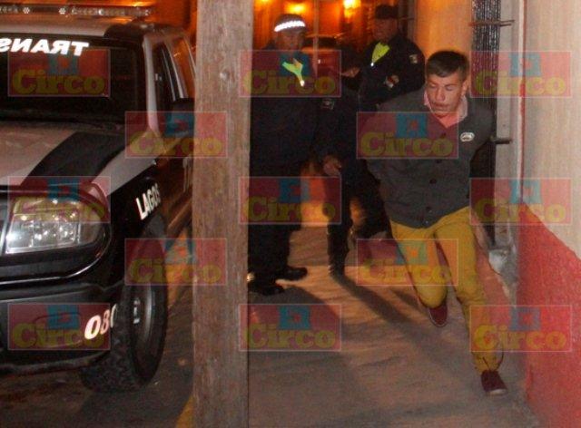 ¡Joven motociclista se accidentó en Lagos de Moreno y trató de huir de las autoridades!