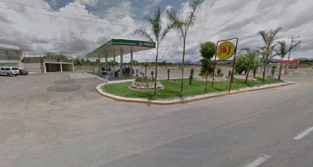 ¡2 delincuentes asaltaron una gasolinera en Aguascalientes!