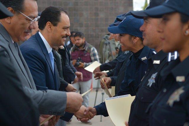¡El alcalde Antonio Martín del Campo tomó protesta a 18 nuevos policías de proximidad social!