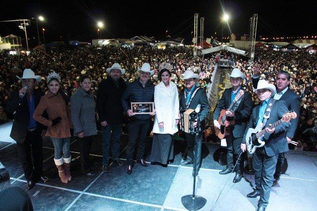 ¡Espectacular cierre de Feria de Calera con los Invasores de Nuevo León!