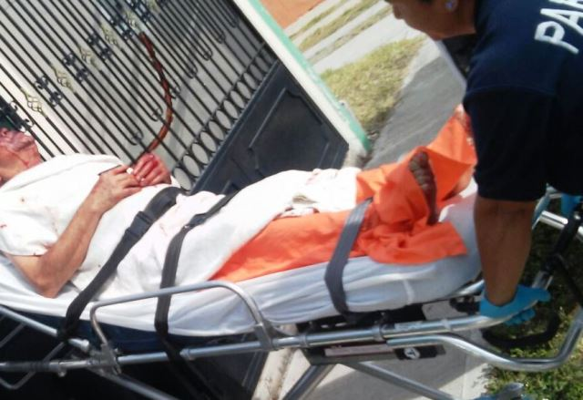 ¡Drogado sujeto casi mata a puñaladas a su padre en Aguascalientes!