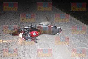 MUERE MOTOCICLISTA AL SER ARROLLADO EN LAGOS DE MORENO_03