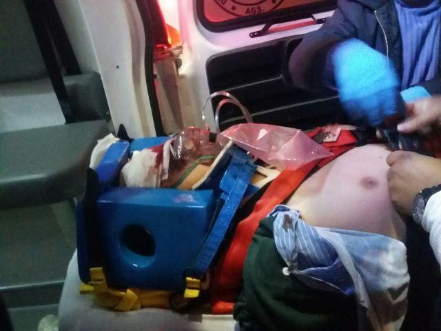 ¡1 muerto y 1 lesionado grave tras fuerte choque entre un taxi y un auto en Aguascalientes!