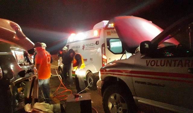 ¡3 muertos y 3 heridos tras el choque entre una ambulancia y una camioneta en Zacatecas!