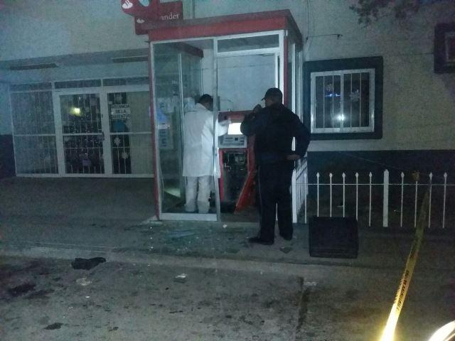 ¡Delincuentes saquearon y vaciaron un cajero automático en Aguascalientes!