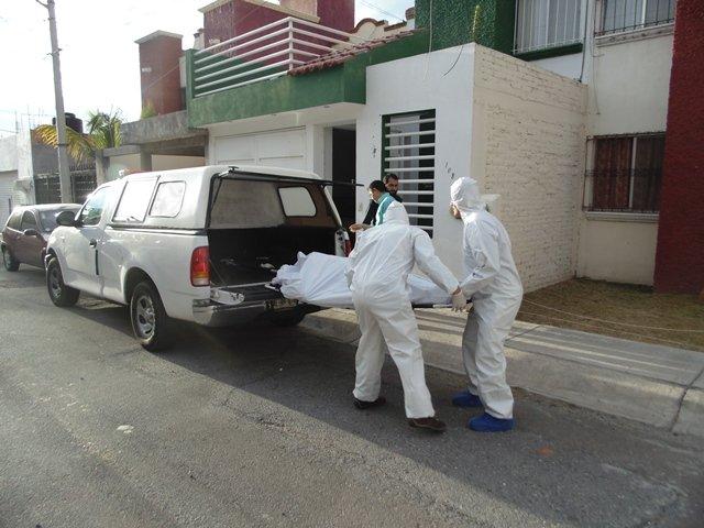 ¡Mujer protagonizó suicidio atípico en Aguascalientes al ahorcarse con una bufanda!