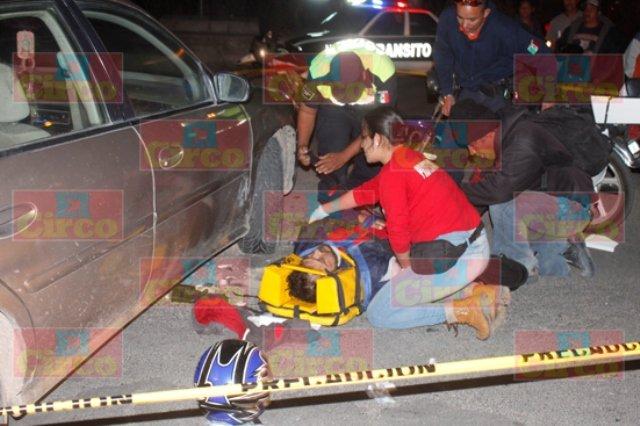 ¡Motociclista de Aguascalientes resultó lesionado tras un accidente en Lagos de Moreno!