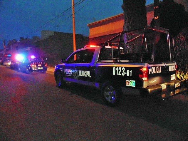 ¡2 pistoleros asaltaron una farmacia y una gasera en Aguascalientes!
