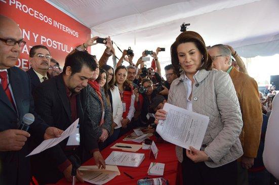 ¡Lorena Martínez y Manolo de Alba Ortega solicitaron su registro como precandidatos al Gobierno del Estado!