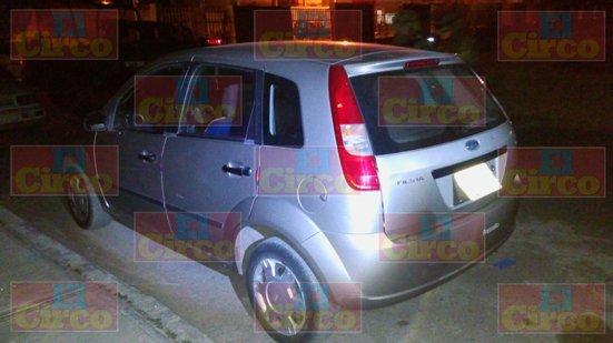 ¡El auto usado para colocar narco-mantas en Fresnillo fue robado con violencia a una mujer!