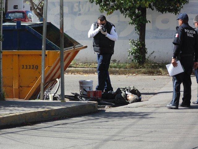 """¡Auto """"fantasma"""" mató a un pepenador en Aguascalientes!"""