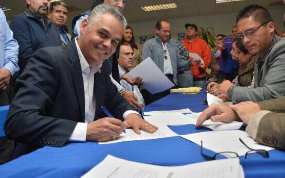 ¡Noel Mata se registra como precandidato a la presidencia municipal de Jesús María!