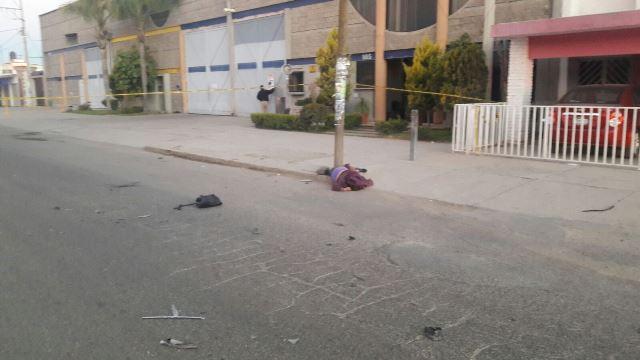¡Veloz automóvil atropelló y mató a una mujer en Aguascalientes!