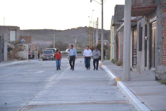 ¡Entregó Antonio Arámbula calles pavimentadas en La Cañada!