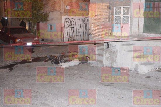 GALERIA/¡Ejecutaron a balazos a 3 sujetos en Lagos de Moreno e hirieron a un adolescente!