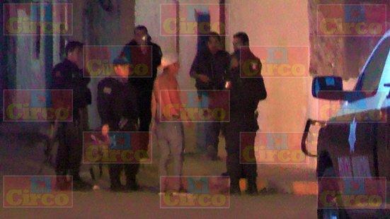 ¡Joven fue ejecutado de 4 balazos frente a una tienda de abarrotes en Fresnillo!