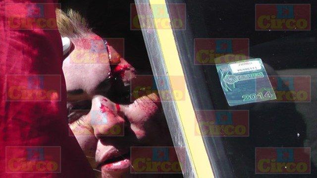 ¡3 lesionados tras fuerte choque entre 2 autos en Fresnillo!