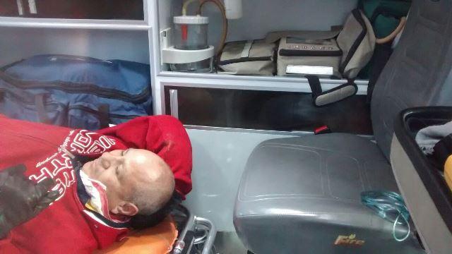 ¡1 lesionado tras desigual choque entre un auto y una motocicleta en Aguascalientes!