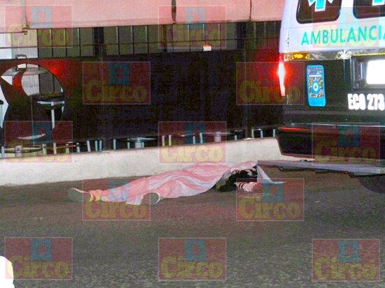¡1 muerto y 2 lesionados en sangrienta riña en la zona ferial de Aguascalientes!