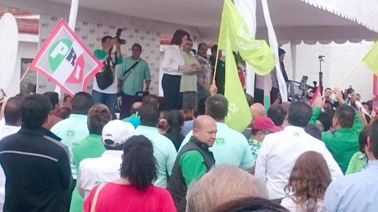 ¡Lorena Martínez se registra como candidata a la gubernatura!
