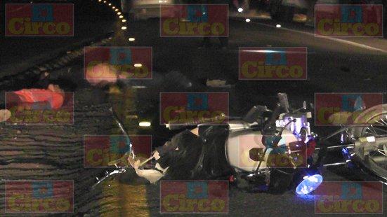 GALERÍA/¡2 motociclistas murieron tras chocar contra un auto en Fresnillo!