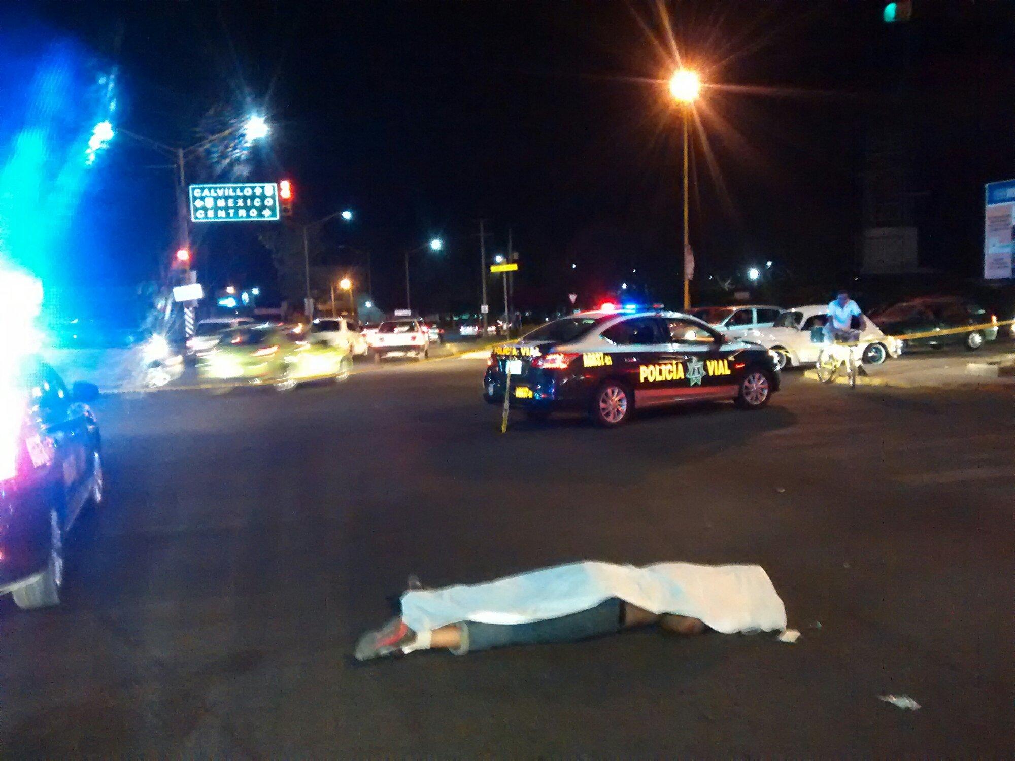 Irresponsable automovilista impacta y mata a ciclista