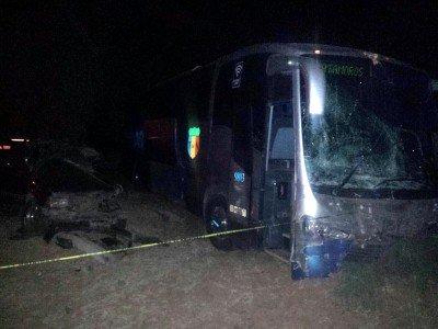 Provocan presuntos delincuentes mortal accidente en Rincón de Romos