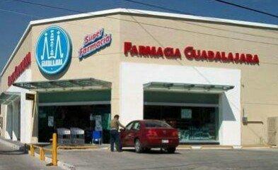 Siguen los atracos ahora fue una Farmacia Guadalajara en Jesús María
