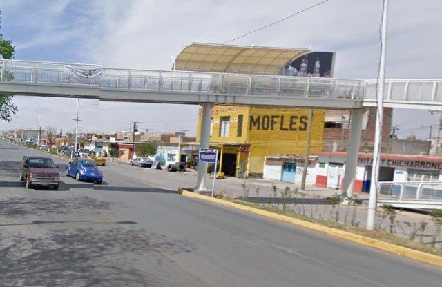 ¡Dejaron narco-mantas en un puente peatonal y en la Plaza principal de Calera!