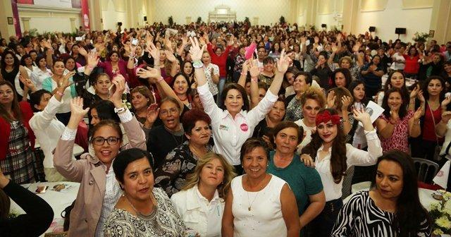 ¡Las mujeres confían en Lorena Martínez!