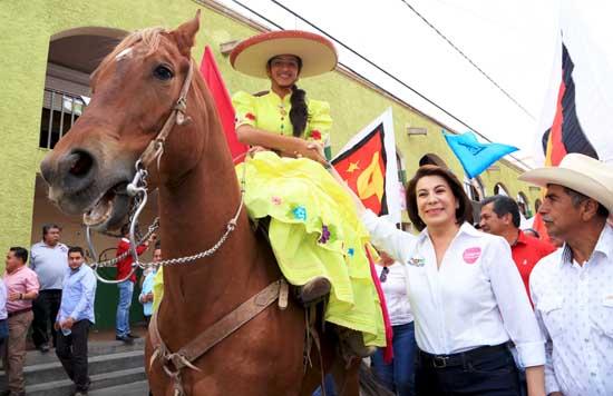 ¡Lorena Martínez va a recuperar la productividad del campo!
