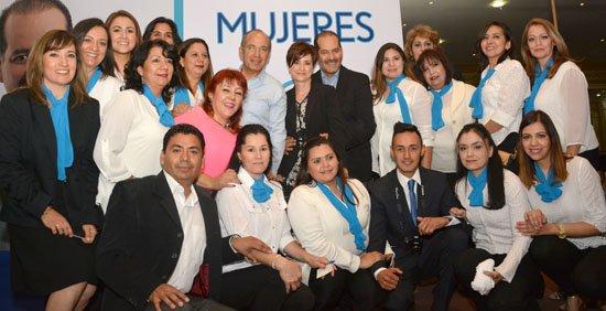 ¡Se compromete Martín Orozco a la creación de Banco Social para la Mujer!