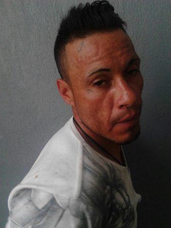 Cae un tumbador que atracaba estudiantes en la Nazario Ortiz Garza