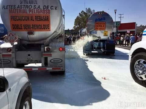 Caos en Jalisco por manifestaciones de lecheros