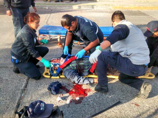 Seriamente lesionado un sexagenario tras ser arrollado por una combi