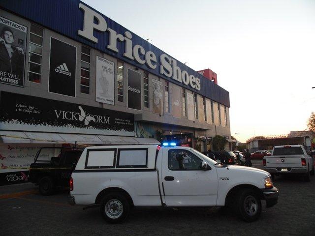¡Guardia de seguridad se suicidó de un balazo en la cabeza en un centro comercial en Aguascalientes!