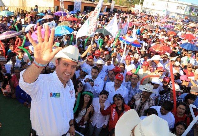 ¡En los campos Menonitas, Alejandro Tello pide a zacatecanos confiar en su proyecto y votar por él!