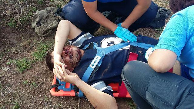 ¡Espectacular volcadura de una camioneta dejó 2 lesionados en Aguascalientes!