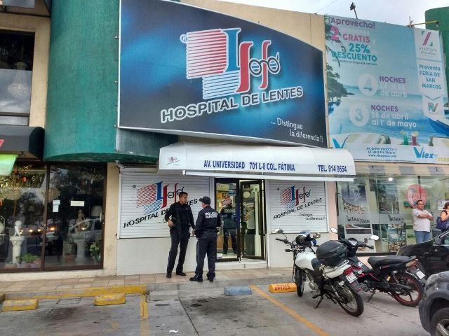 ¡Jugoso botín para 2 hampones que asaltaron un negocio de lentes en Aguascalientes!