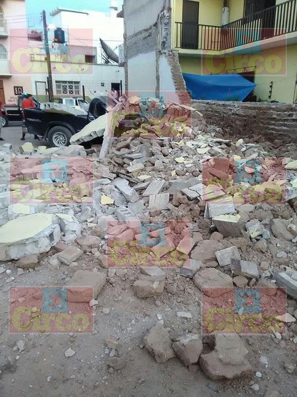 ¡Camioneta derrumbó una casa en Río Grande, Zacatecas!